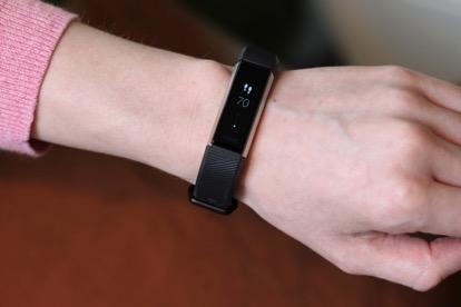 Mieux dormir avec un bracelet connecté